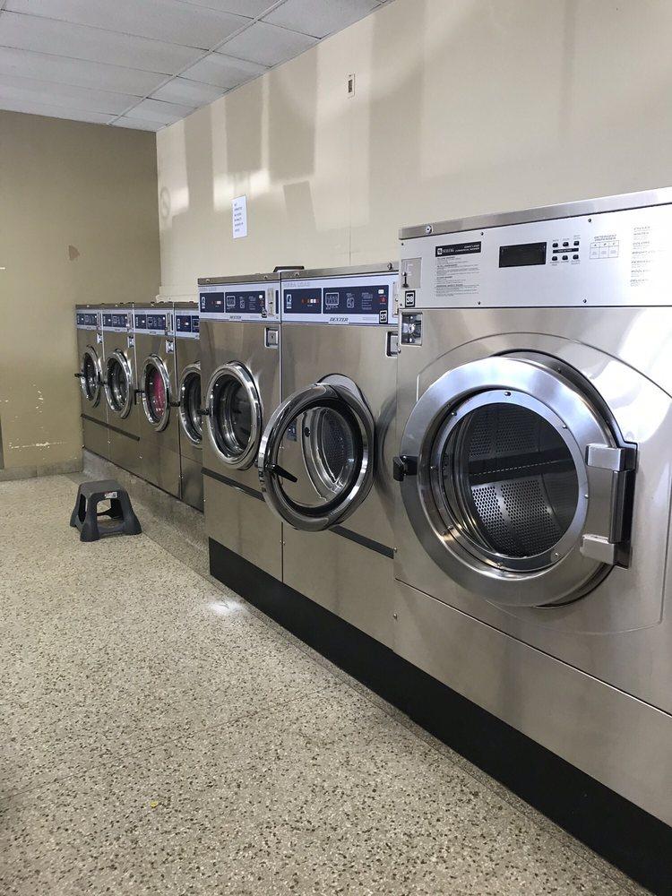 Tidalwave Laundromat: 1415 5th Ave, Anoka, MN