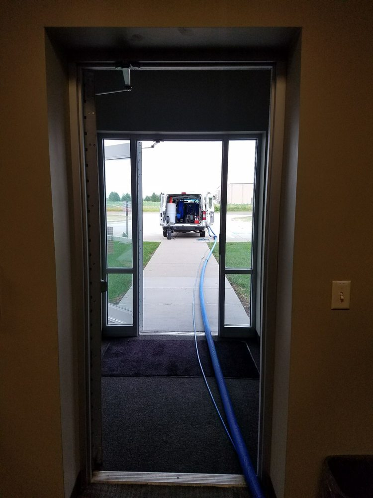 J&H Cleaning Services: 601 Burleigh St, Yankton, SD