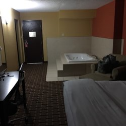 Photo Of La Quinta Inn Suites Joplin Mo United States