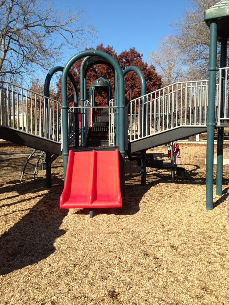 Steeplechase Park: 1500 Balcones Dr, Plano, TX