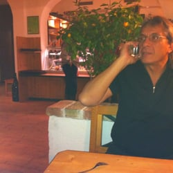 Heuriger Schmuckenschlager Wine Bars Agnesstr 46