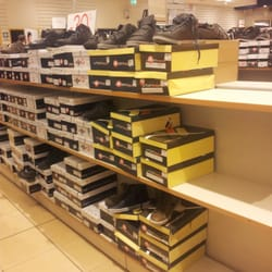 newest 5bb26 34568 Scarpe & Scarpe - Shoe Stores - Via SAN Leonardo - Traversa ...