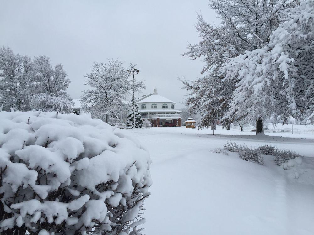 Inn At Amish Door: 1210 Winesburg St, Wilmot, OH