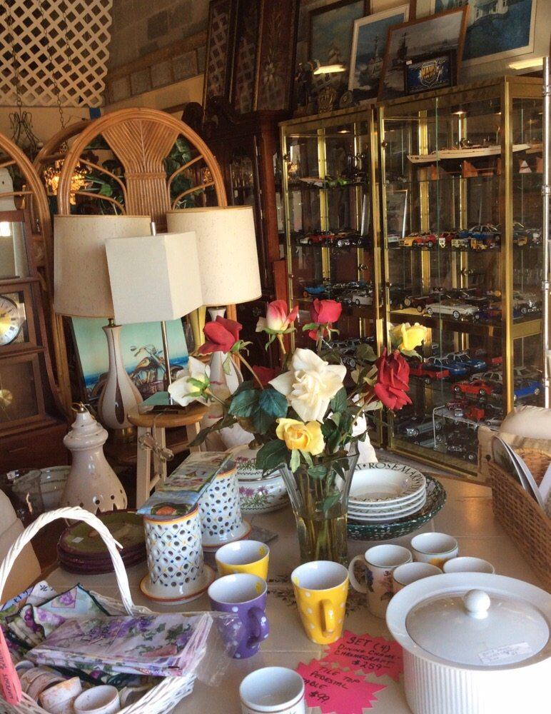 Two Friends Antiques and Estates: 184 E Interlake Blvd, Lake Placid, FL