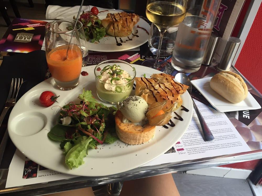 Le Different   Photos   Reviews  Restaurants   Rue