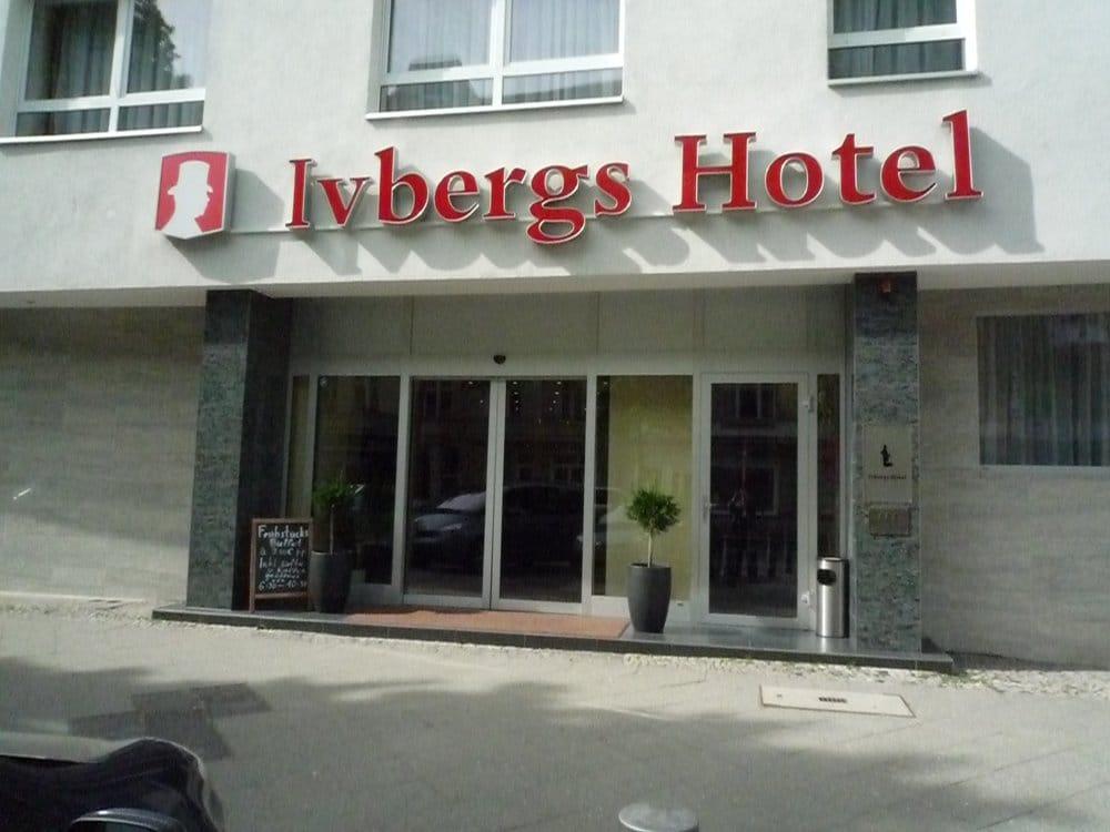 Ivbergs hotel charlottenburg hotel neue kantstr 2 for Wohndesign kantstr berlin