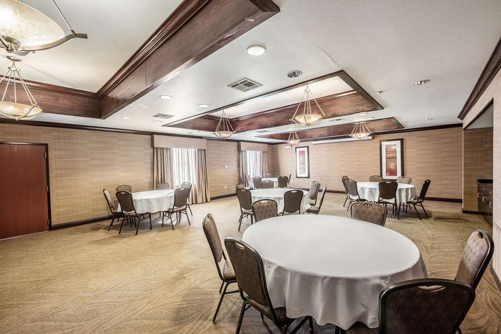 Red Lion Inn & Suites Mineral Wells: 6801 U.S. Highway 180 E, Mineral Wells, TX