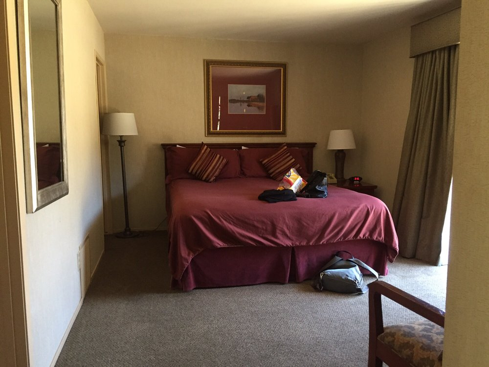 Stallion Springs Resort: 28681 Stallion Springs Dr, Tehachapi, CA