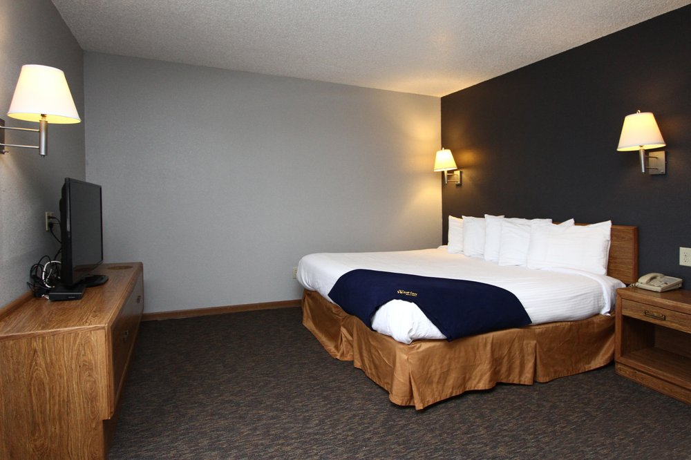 New Victorian Inn & Suites: 1001 W Omaha Ave, Norfolk, NE
