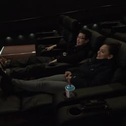 broadway multiplex cinemas 29 photos 88 reviews cinema 955 broadway mall hicksville. Black Bedroom Furniture Sets. Home Design Ideas