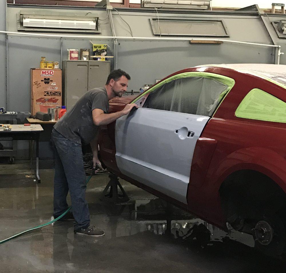 Bodylines Towing & Auto Body Collision Repair: 4208 Burnwood Trl, Denver, NC