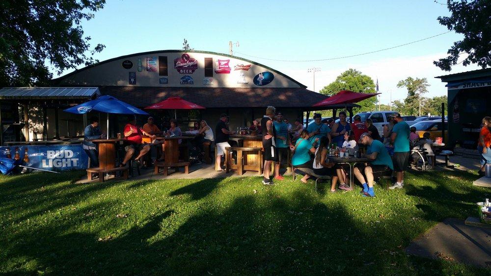 Windrift Lounge: 2511 11th St NE, Austin, MN