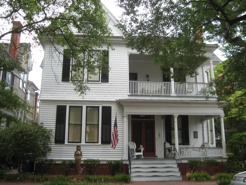 The Mermaids' Porch Bed and Breakfast: 497 North St, Portsmouth, VA