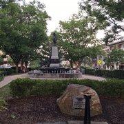 Cincinnati - Wikitravel  |Hyde Park Square Cincinnati Ohio