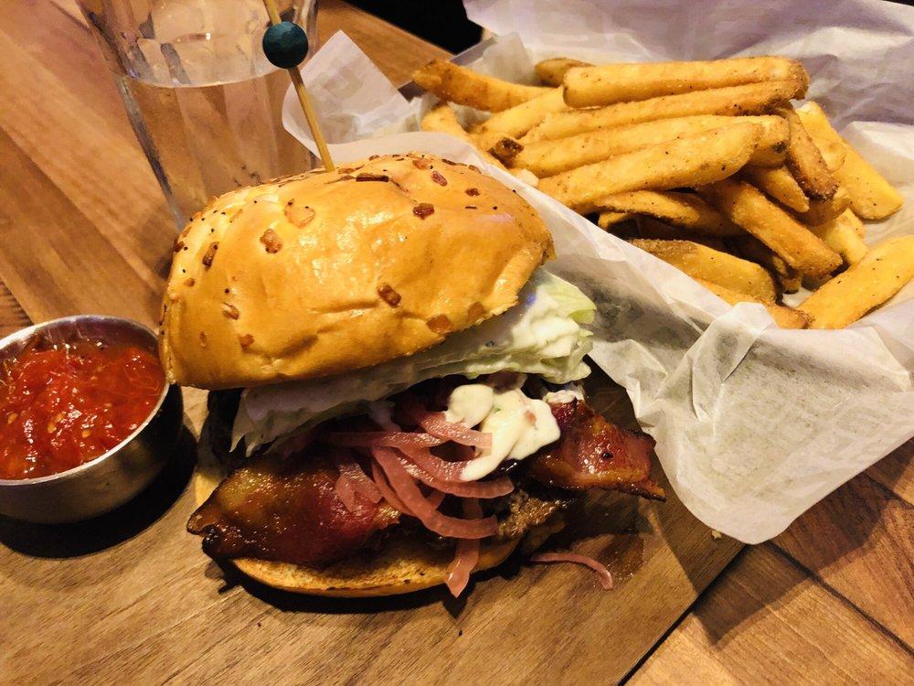 On Deck Burger Bar: 1 Broadway, Everett, MA