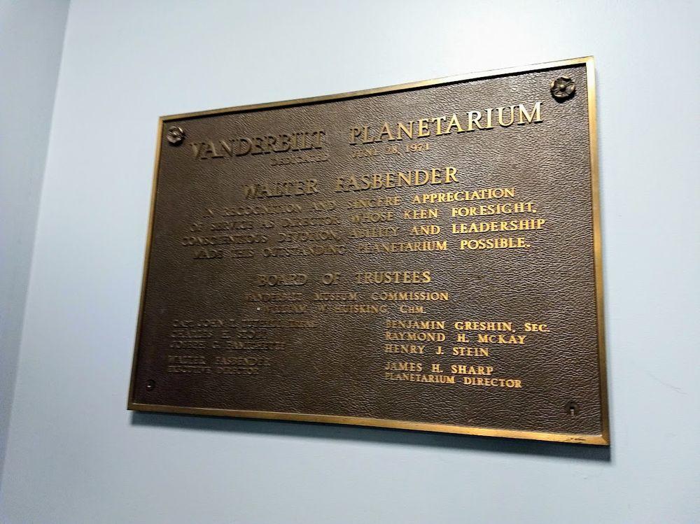Vanderbilt Museum: 180 Little Neck Rd, Centerport, NY
