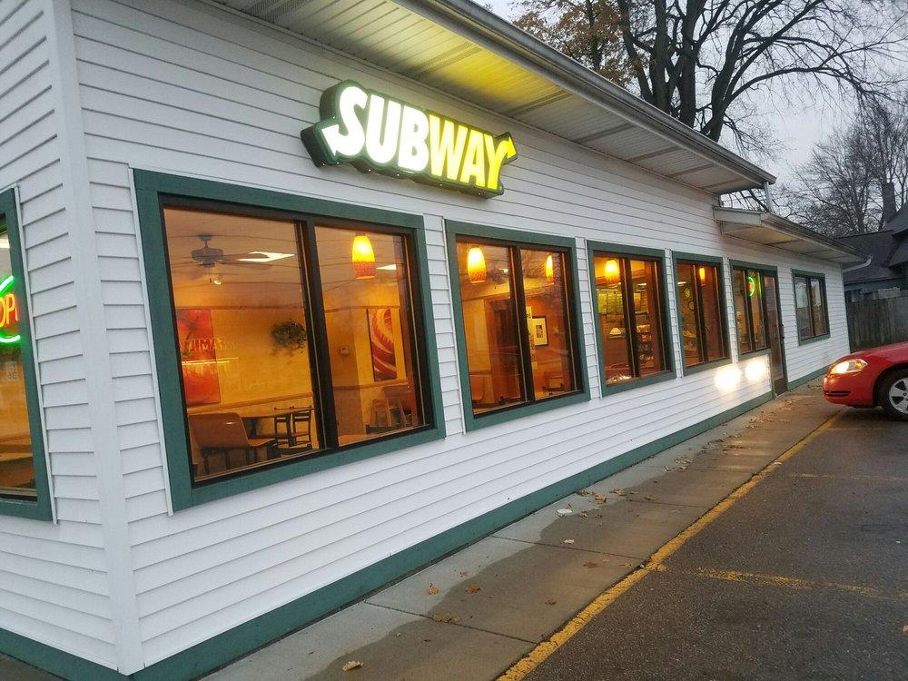 Subway: 1 E Monroe St, Bangor, MI