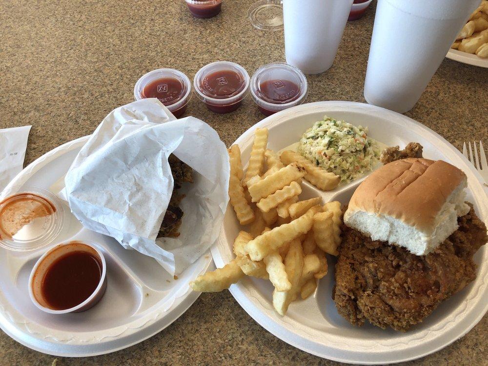Carter's Restaurant: 1400 S Gaskin Ave, Douglas, GA