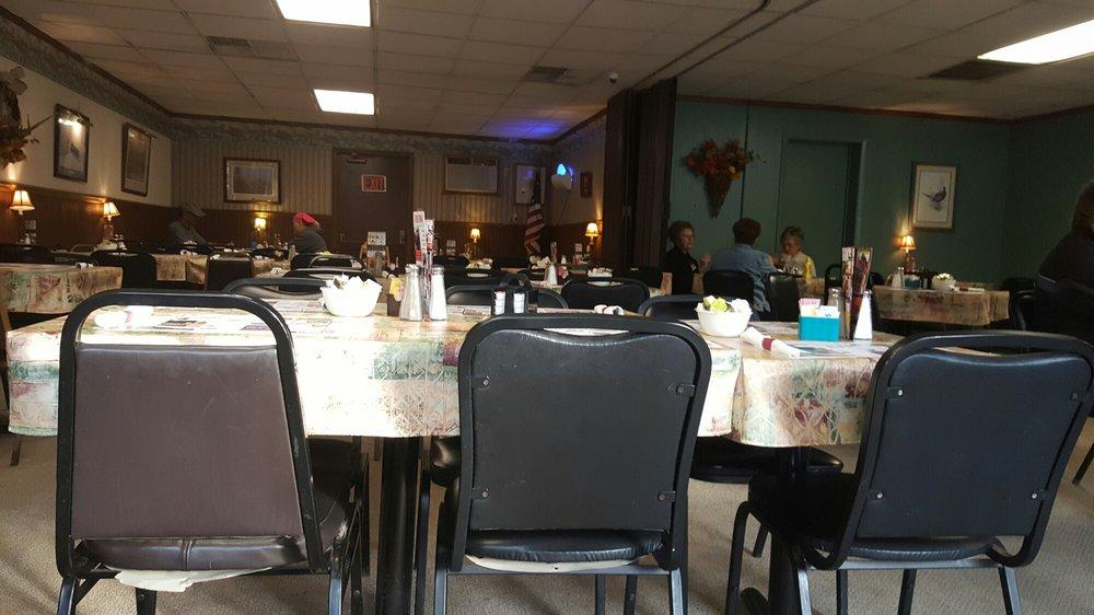 County Line Restaurant: 14206 Rt 35, Richfield, PA