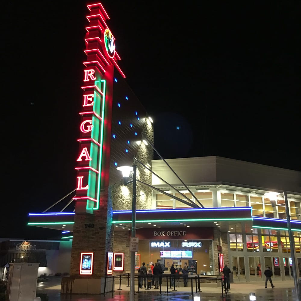 Issaquah Highlands Regal >> Regal Cinemas Grand Ridge Plaza Yelp