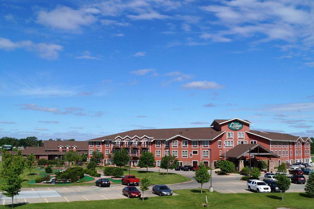 Norfolk Lodge & Suites, an Ascend Hotel Collection Member: 4200 W Norfolk Ave, Norfolk, NE
