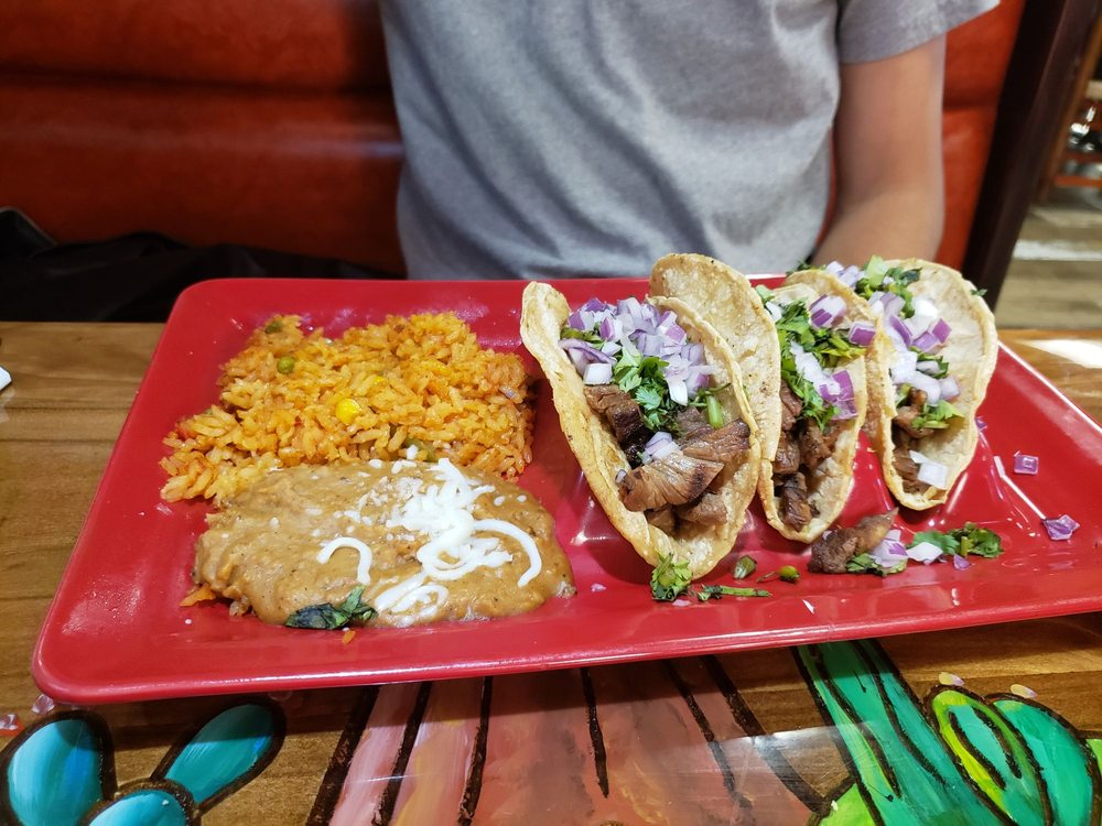 Old Mexico Restaurant: 11884 Velp Ave, Green Bay, WI