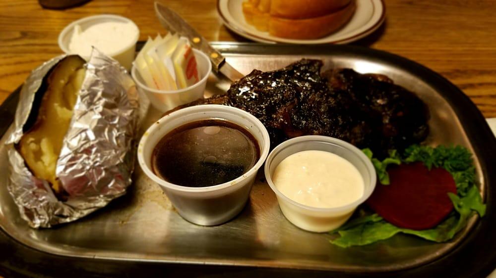Bob's Texas T-Bone & Frosty's Lounge: 101 E 1st St, Rufus, OR