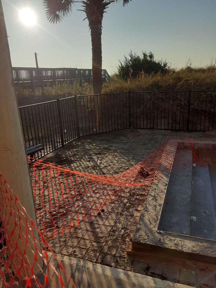 Carolina Fence and Staining Contractors: Atlantic Beach, SC