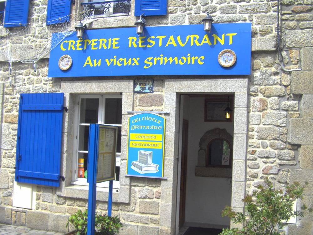 Au vieux grimoire creperies 42 grande rue port louis morbihan france restaurant reviews - First restaurant port louis ...