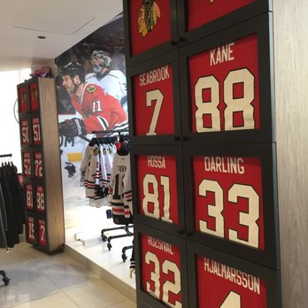 86eb71864 Blackhawks Store - 35 Photos   41 Reviews - Sports Wear - 333 N ...