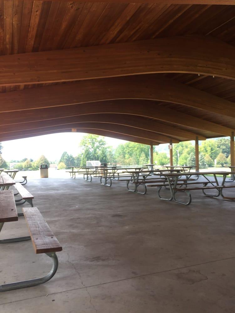 Meadow Breeze Park: 22 Meadow Breeze Ln, Washington, NJ