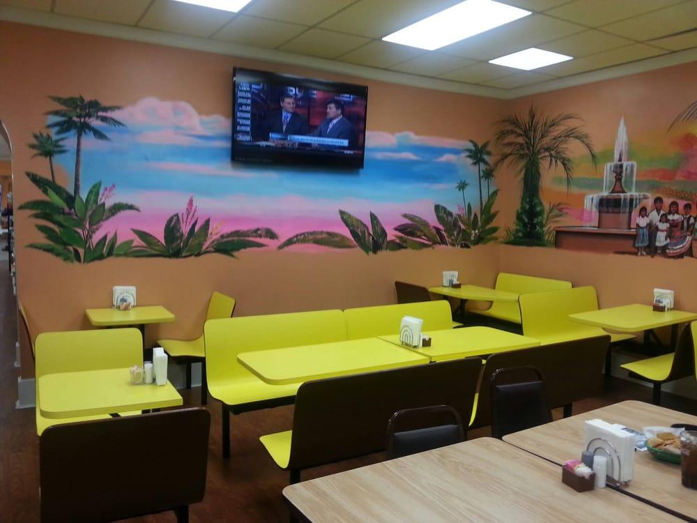 Mi Familia Mexican Store & Restaurant: 131 E Main St, Leipsic, OH