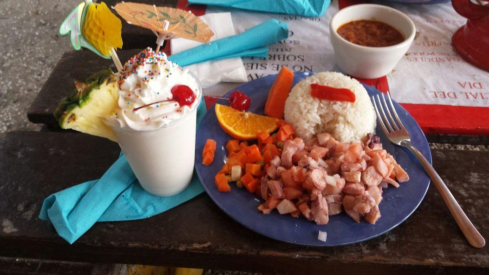 San Jacinto Restaurante: PR-333 Km 6.8, Guanica, PR