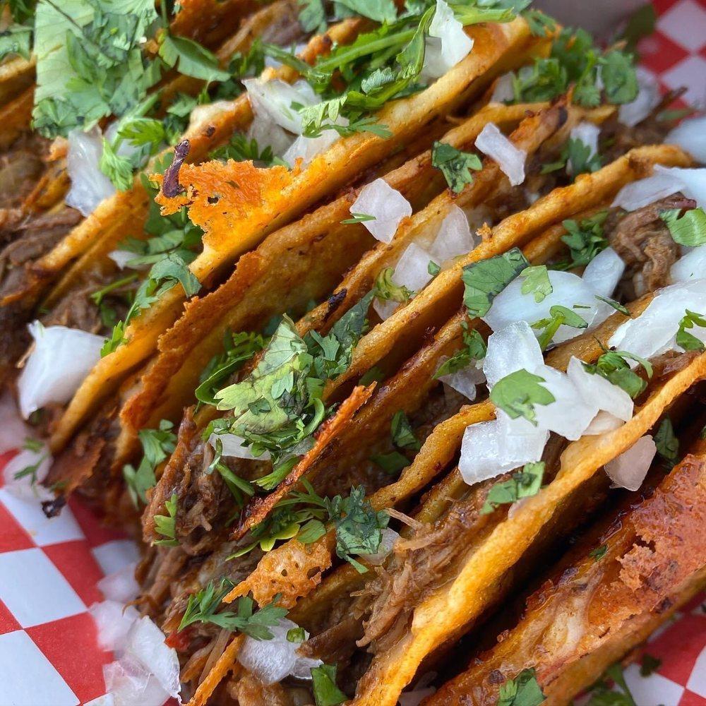 Hella Street Tacos: Brentwood, CA