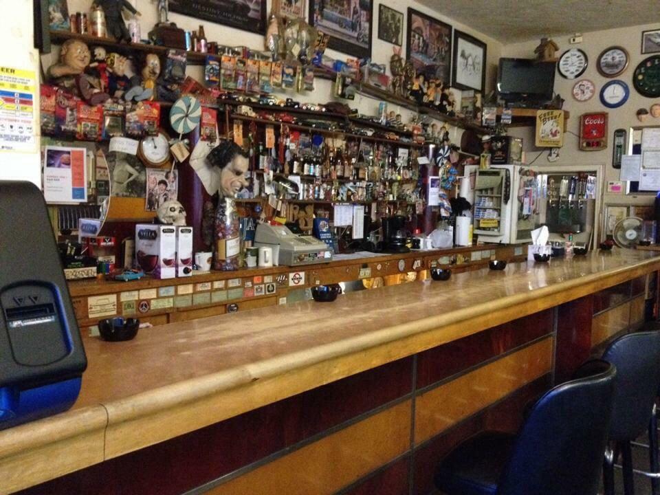 R&R Bar: 195 S Eastern Ave, Idaho Falls, ID