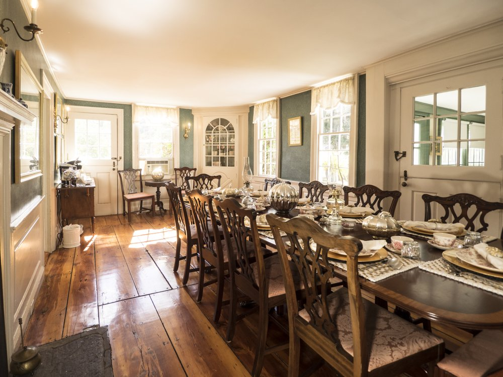 The Deacon Bed & Breakfast: 325 Main St, Old Saybrook, CT