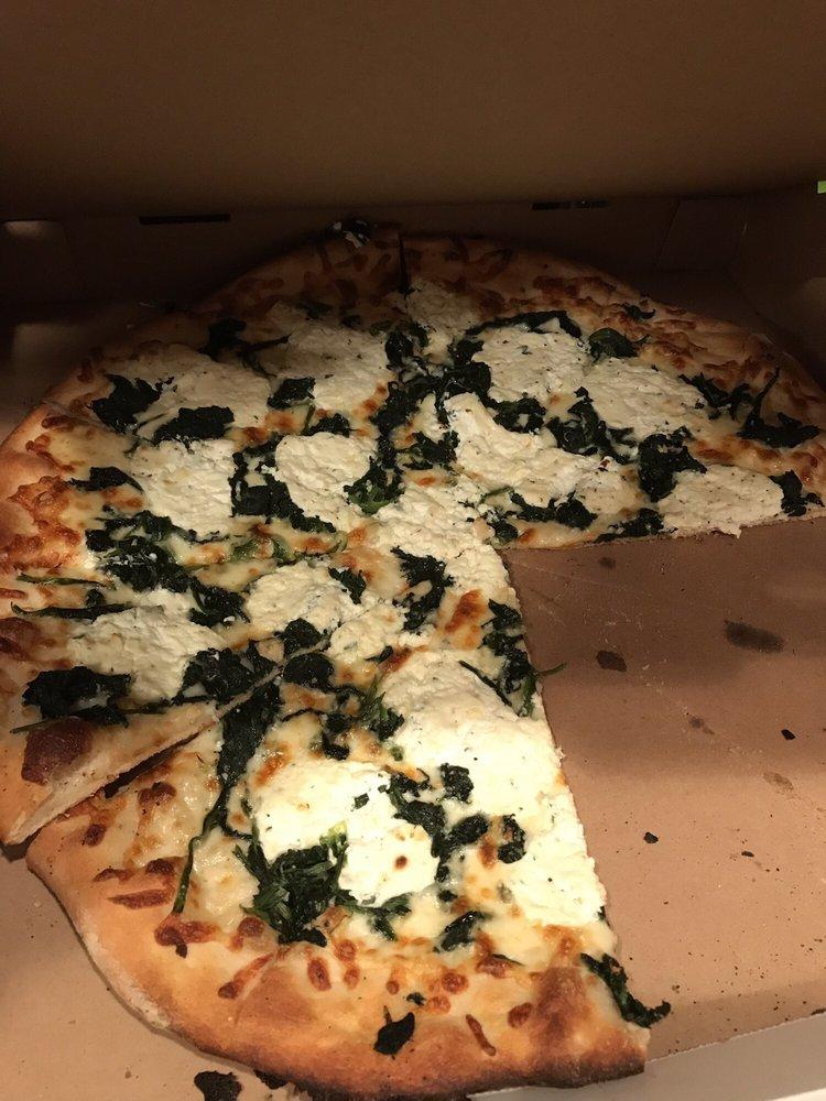 Carmine's Pizza & Italian Take Out: 16 Main St, Durham, CT