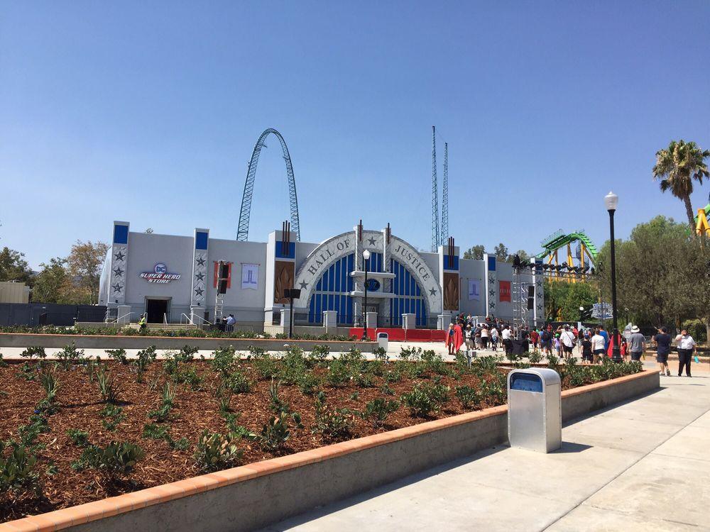 Justice League Battle For Metropolis!: 26101 Magic Mountain Pkwy, Valencia, CA