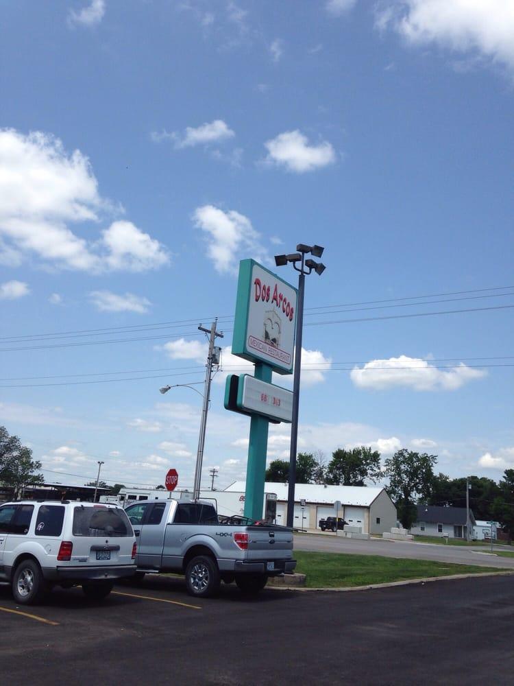 Dos Arcos: 150 W Hwy 22, Centralia, MO