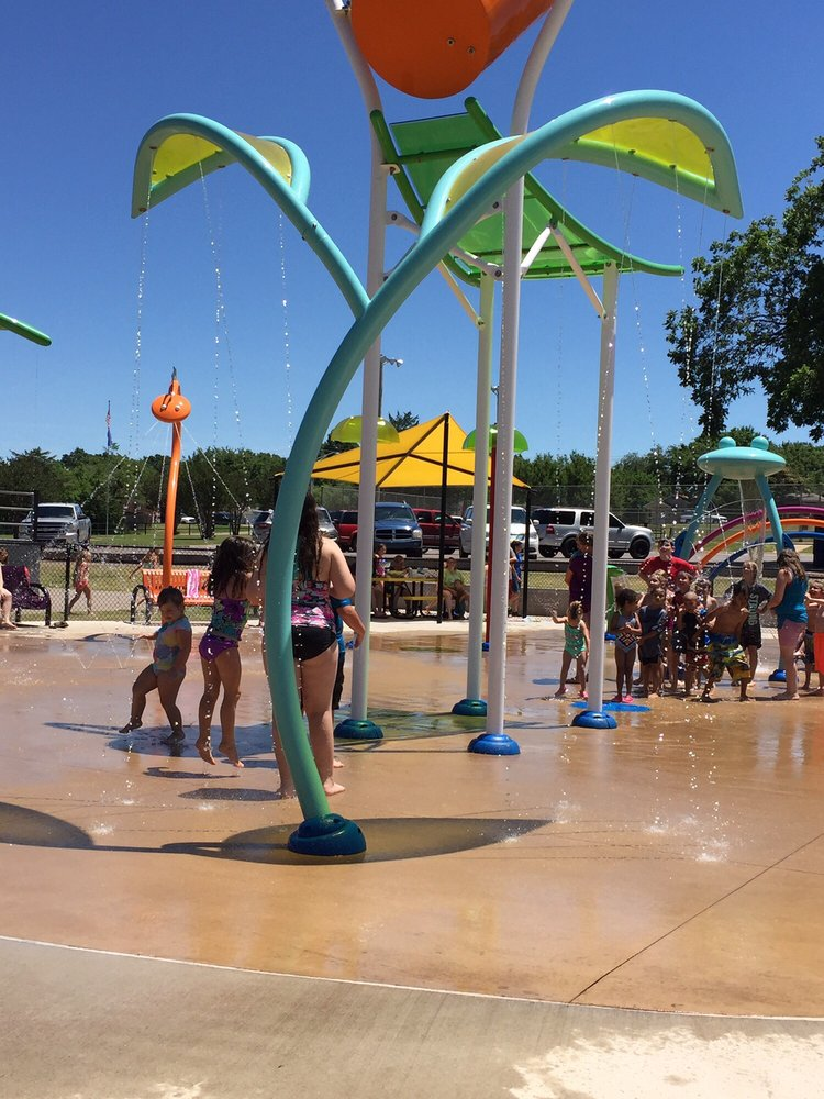 Splash Pad - Slick Humphrey Park: 901 W Walnut St, Tecumseh, OK