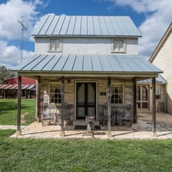 2 Bedroom Bed And Breakfast In Fredericksburg Tx