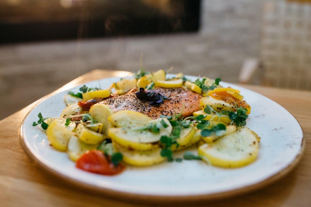 Packers Kitchen + Bar: 9565 Semiahmoo Pkwy, Blaine, WA
