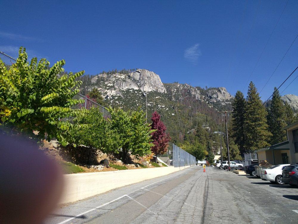 Big Creek School: 55190 Point Rd, Big Creek, CA