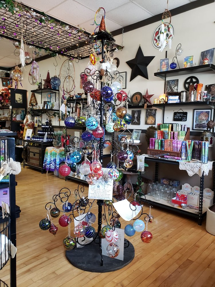 Tree of Life Shoppe: 392 West Apple St, Ringtown, PA