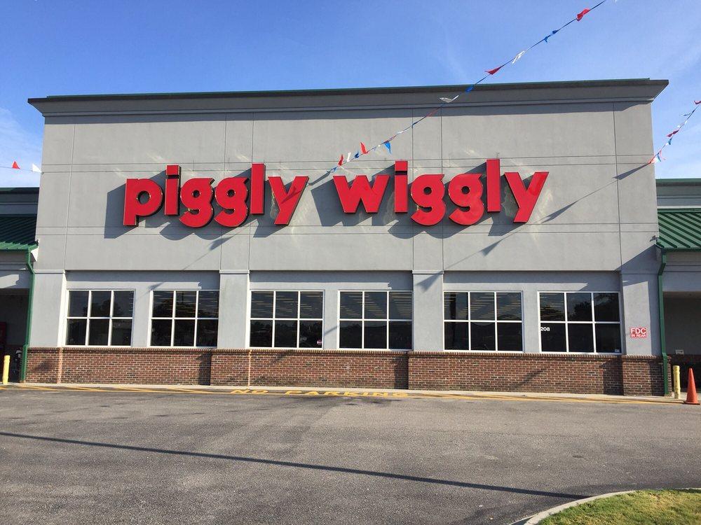 Mullins Piggly Wiggly: 208 E McIntyre St, Mullins, SC