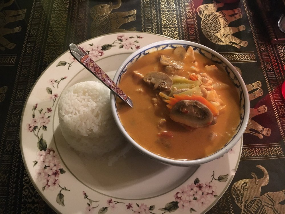 Toi's Thai Kitchen: 7545 E Addis Ave, Prescott Valley, AZ