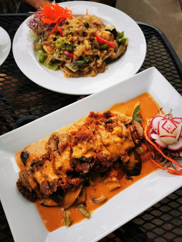 Khao Thai Cuisine: 2145 Hendersonville Rd, Arden, NC