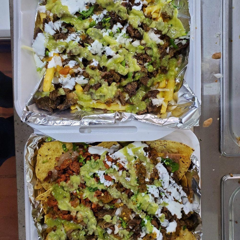 Chingones Tacos And Munchies: 124 W Barioni Blvd, Imperial, CA