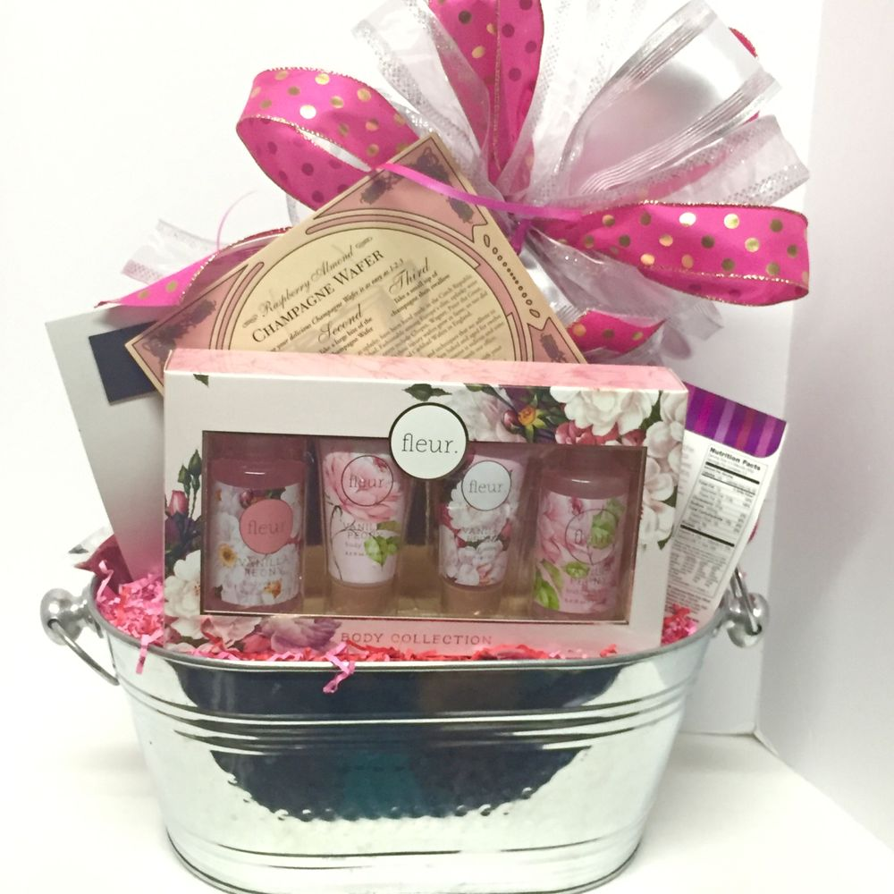 Gift Baskets by Berlee's Fancies: 38640 Scravel Hill Rd NE, Albany, OR