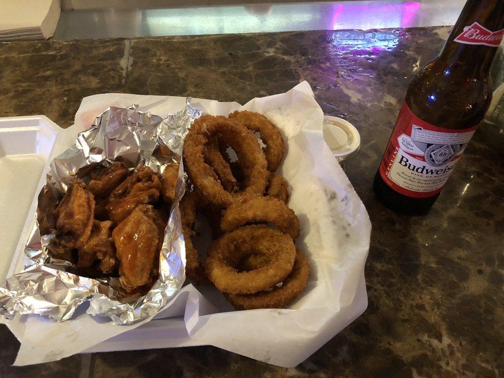 Game Time Sports Bar & Grill: 675 Opelika Rd, Auburn, AL